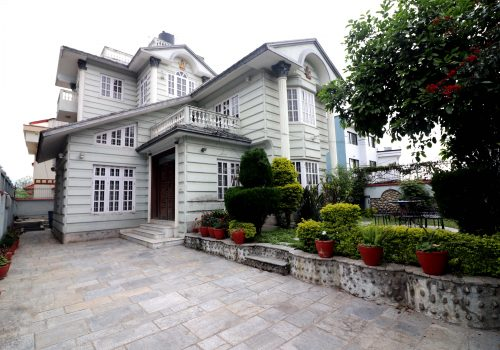 Beautiful House For Rent Awas